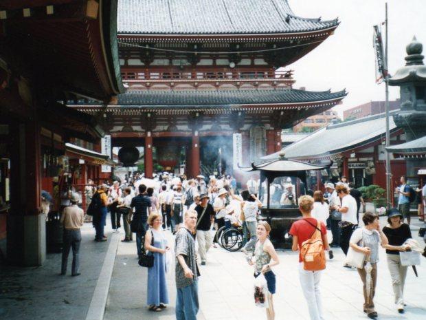 A hot day at Senso-ji