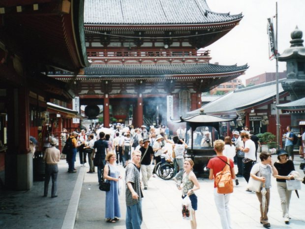 A hot day at Senso-ji
