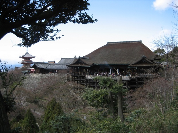 Side view of Kiyomizu Dera